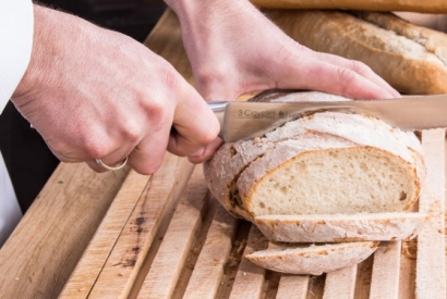 Which knife to use for cut bread ?